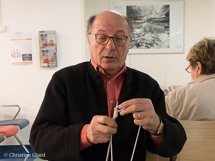homme-au-tricot-en-salle-de-consultation-mars-2017-retaille